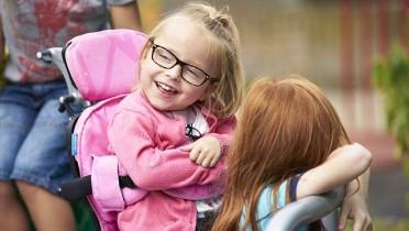 3ABF8FCE00000578-3979186-Daisy_5_was_diagnosed_with_spastic_quadriplegic_cerebral_palsy_w-a-5_1480415073353